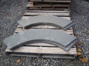 Curved-thermal-bluestone-coping (1)