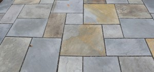 Natural-cleft-pattern-bluestone
